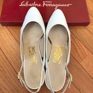 Authentic Ferragamo shoes ! Size 8AA